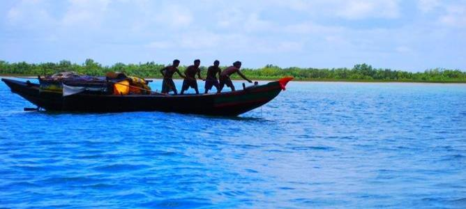 Govt asks fishermen of mechanised boats to install cameras at own